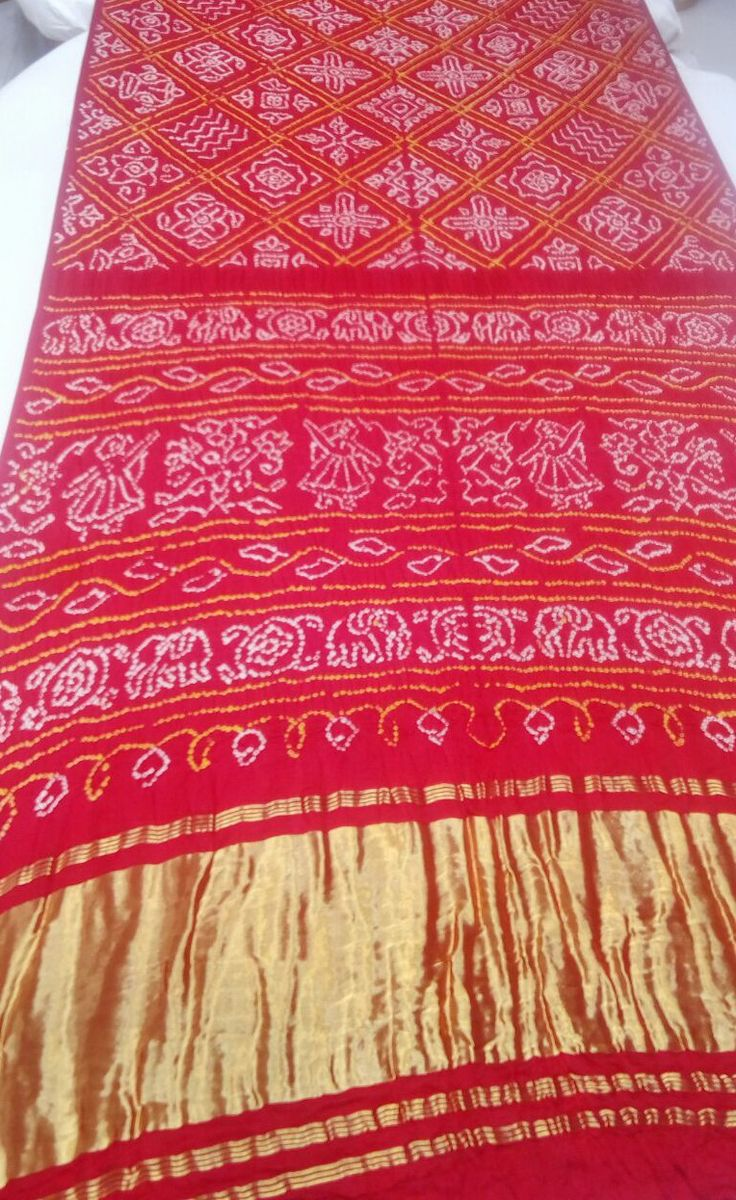 Pure Gajji silk Bandhani Saree  Hand made tie & dye traditional bandhani patterns  For more details call/whatsapp- 91-9377399299  #sankalpthebandhejshoppe #gajjisilksaree #designersaree #saree #bandhej #bandhani #sari #weddingsaree