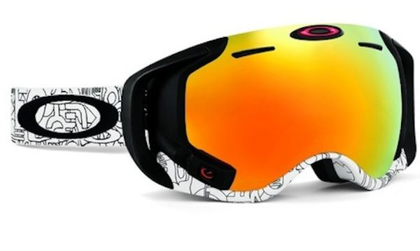 Oakley's heads-up Airwave goggles lets you track speed, altitude and other information while skiing or snowboarding, taking your runs to the next level.