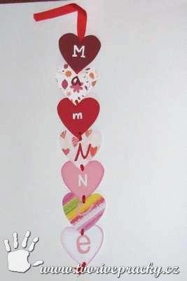 Papírový řetěz mamince