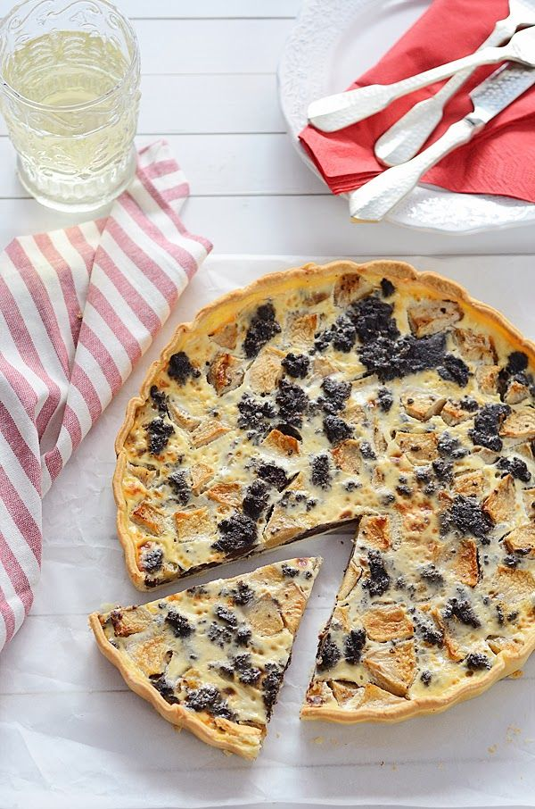Quiche de morcilla y manzana Quiches, Good Food, Yummy Food, Kitchen Time, Sweet And Salty, Empanadas, Tapas, Cooking Time, Food Photo