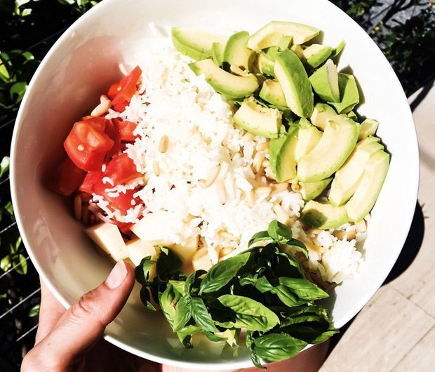 La coach sportif Lucile Woodward nous dévoile ses meilleures recettes végétariennes ! Ici, le buddha bowl