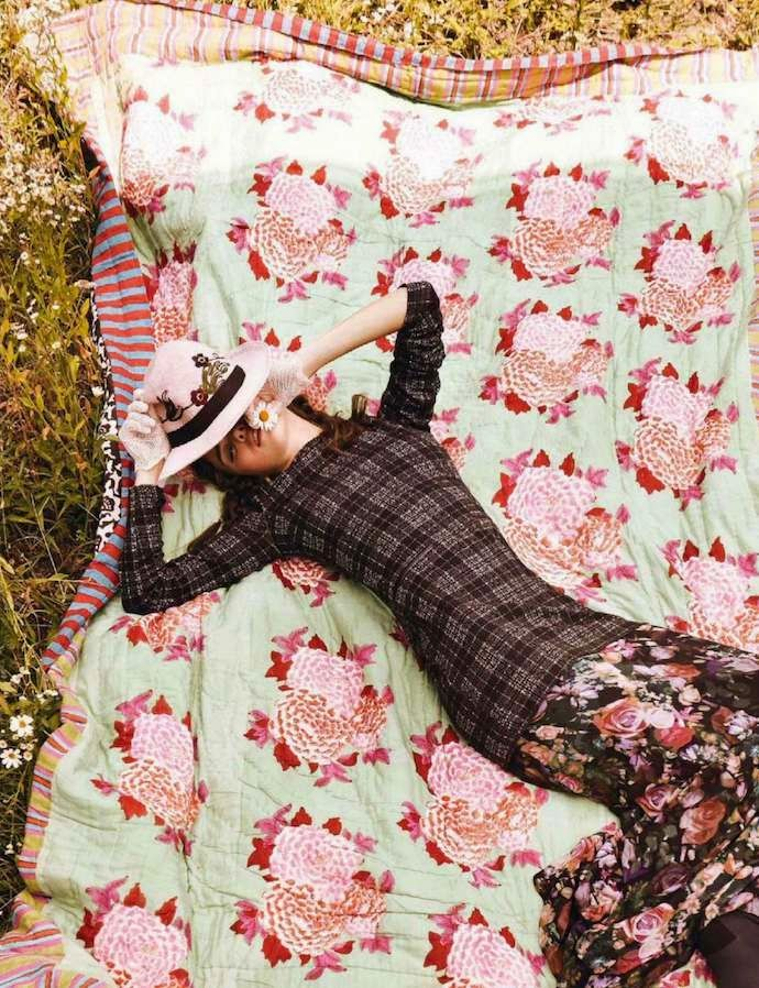 """Sweet Country Home"": Carolina Sanchez by Giovanni Gastel for Glamour Italia Oct 14"