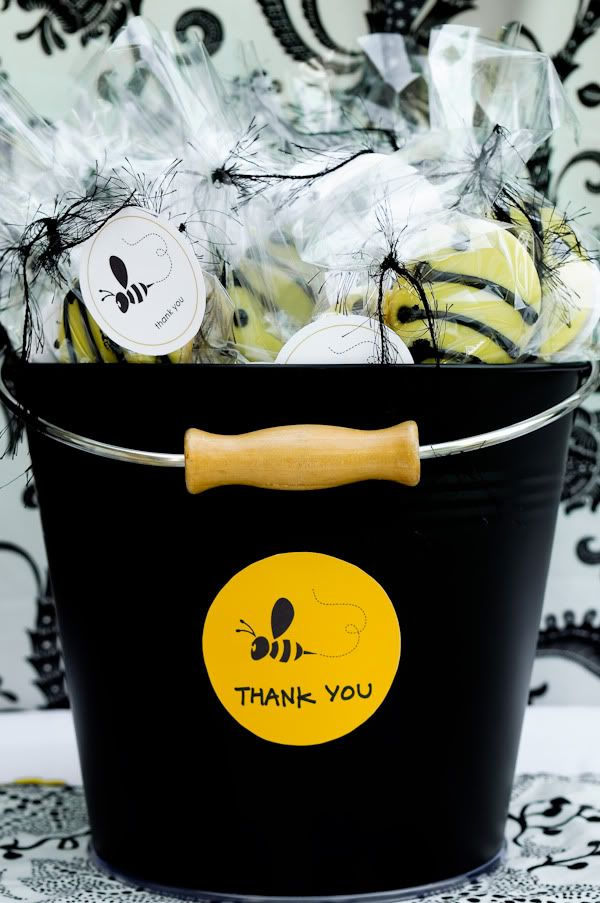 Cute party favor idea for Bee themed baby shower