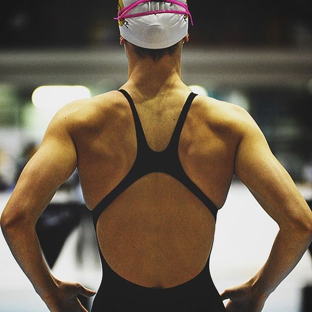 """""""Female athletes will often experience an internal war between athletic ambition and a desire to 'fit'"""" 💪🏼 V 👗 Hit the link in my bio: Female Athletes and Body Image  #loveyoself #body #confidence #selfworth #athletic #beauty #athlete #femaleathlete #strong #mindset"""