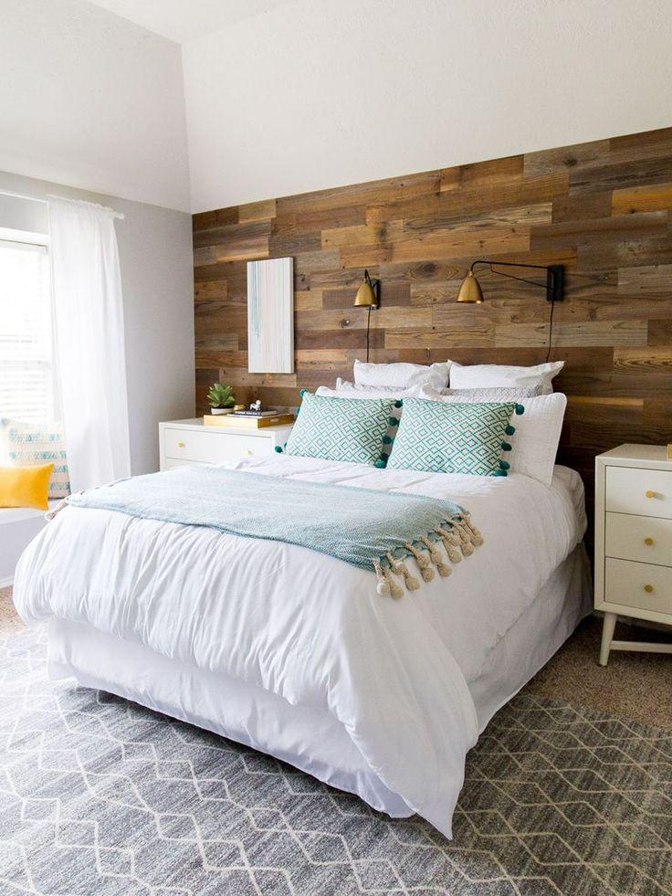 Un panel de madera en la pared- Micasarevista