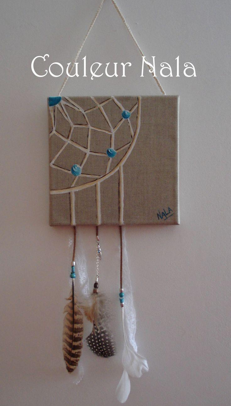 Attrape rêves peint sur toile de lin, plumes et perles, peinture à l'huile