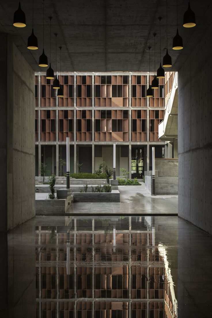 vir.mueller architects · IET, Ahmedabad University. India · Divisare