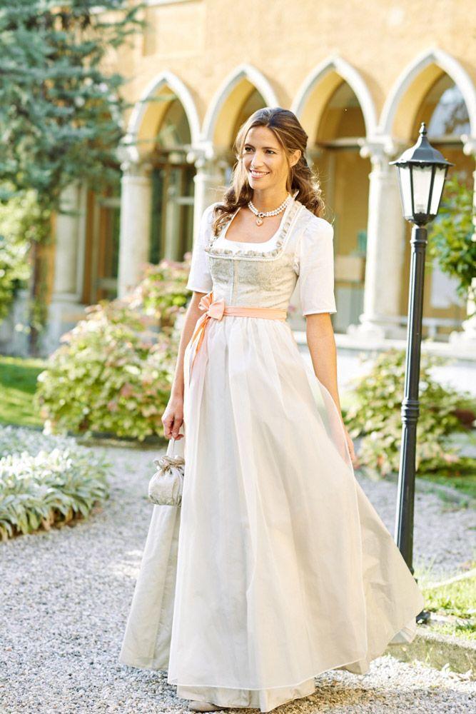 Hochzeitsdirndl Brautdirndl Trachtenhochzeit Wimmer Schneidert