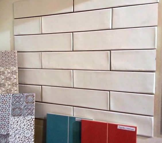 New range of Spanish subway tile.  This handmade textured finish subway #wall #tile comes in satin white and black in a 7.5x30cm format.  On display at our Sydney tile showroom. http://www.kalafranaceramics.com.au/subway-wall-tiles-Sydney.html