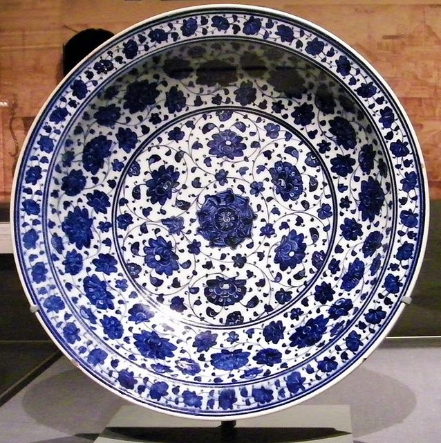 15th-century charger from Iznik (northeastern Turkey). Blue-and-white Turkish earthenware inspired the Chinese porcelain that became popular in Europe in later centuries.