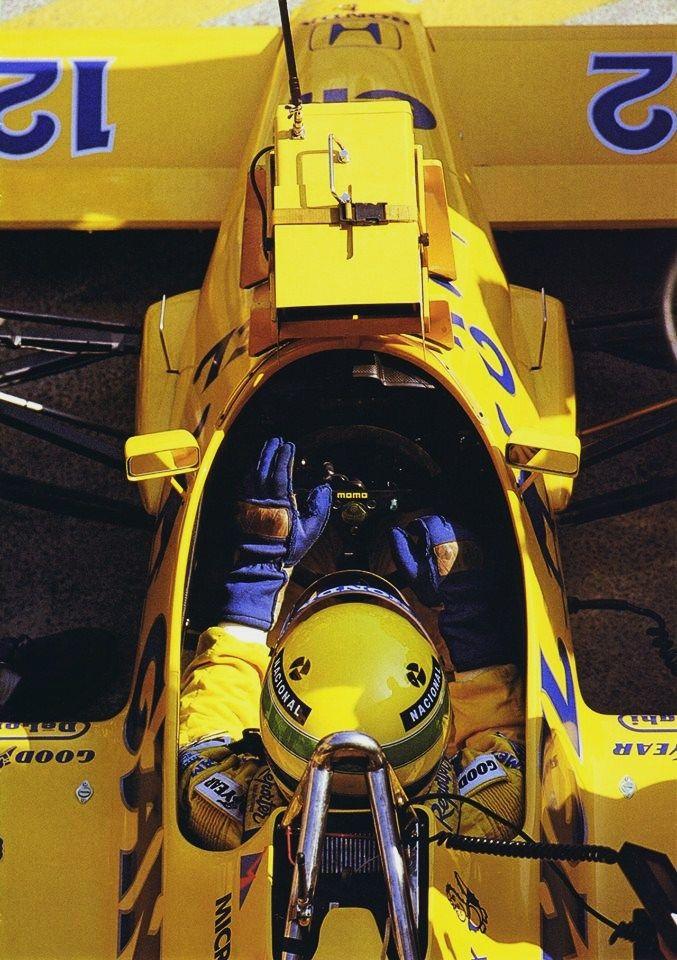 f1pictures:  Ayrton Senna Lotus - Honda 1987