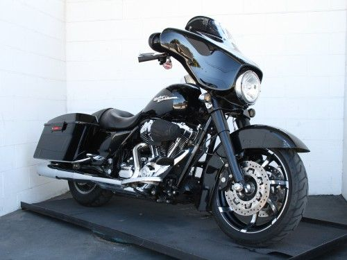 2010 Harley-Davidson FLHX Street Glide For Sale @ Performance Choppers.  www.performancechoppers.com
