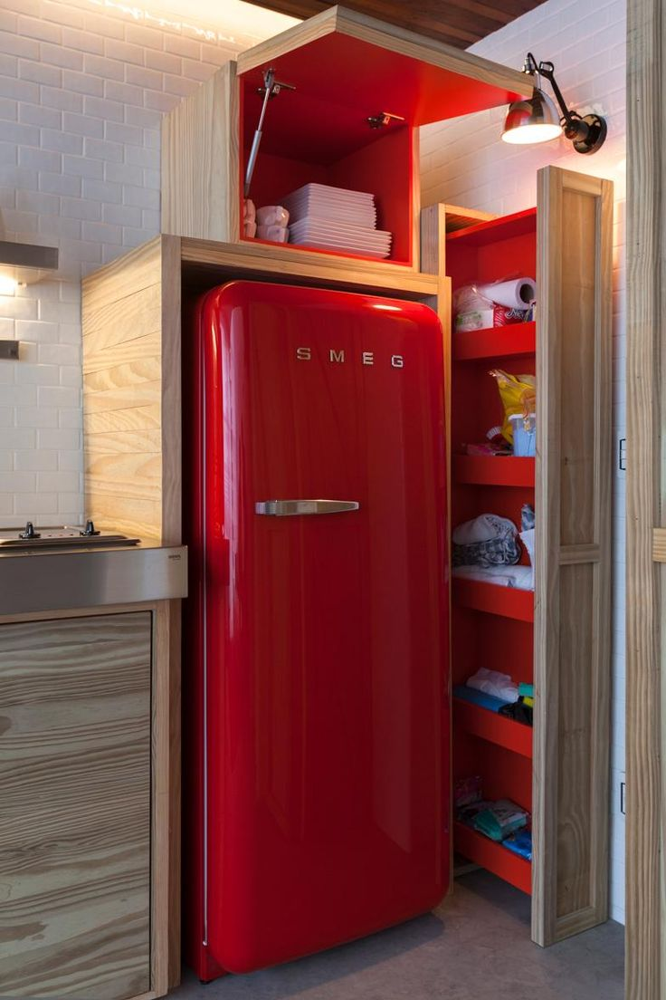 Home U0026 Apartement: Glossy Red Retro Fridge And Built In Pinewood Drawers  Cabinets Design Ideas: Chic Modern Small Apartment In Sao Paulo By Alan Chu