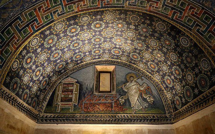 Mosaico - Lunetta di san Lorenzo (con la graticola del suo martirio) - 425dc | by raffaele pagani