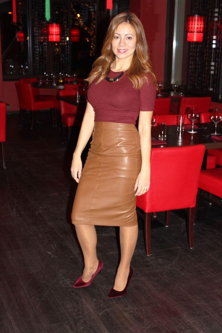 Today outfit #velvet #marsala #fauxleather #pencilskirt #velvetshoes #burgundy #style #veludo #courofalso #saialapis