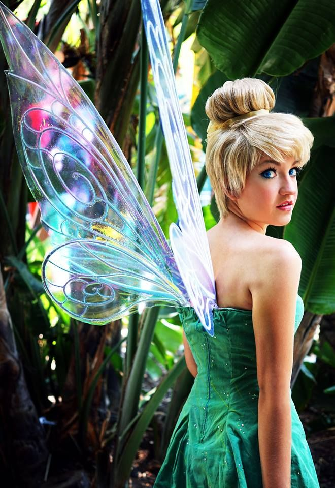 Such a beautiful Tinkerbell costume. Those wings! That wig! - 10 Tinkerbell Cosplays