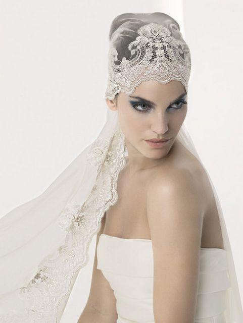 Unique Veils: Part 2 - Belle the Magazine . The Wedding Blog For The Sophisticated Bride