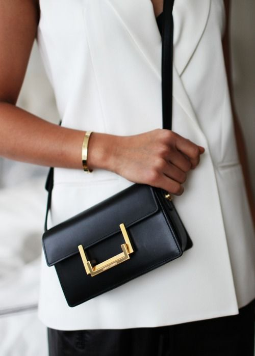 Yves Saint Laurent Shoulder Bag | ~ Noir et Blanc ~ | Pinterest