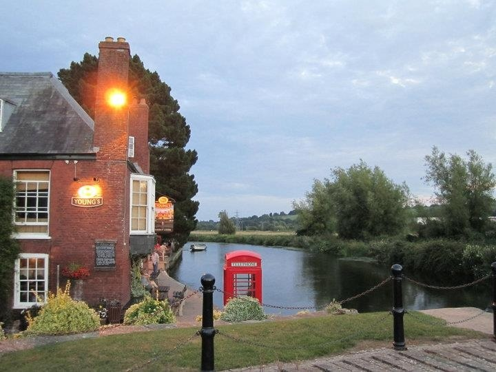 Lovely view of The Double Locks pub on the Exeter ship canal..... Really great pub! Exeter, Devon.