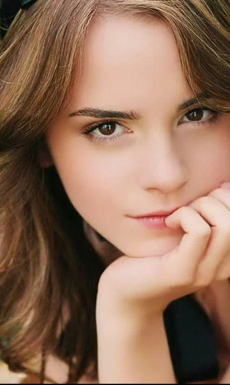 La personne qui pense que Emma Watson n est pas belle est stupide