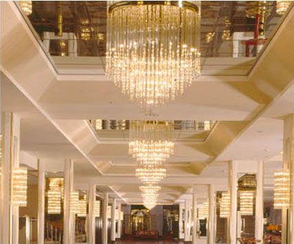 Crystal Chandelier Www.palme-leuchten.de Decken - und Wandleuchten im Hotel Maritim, Bonn