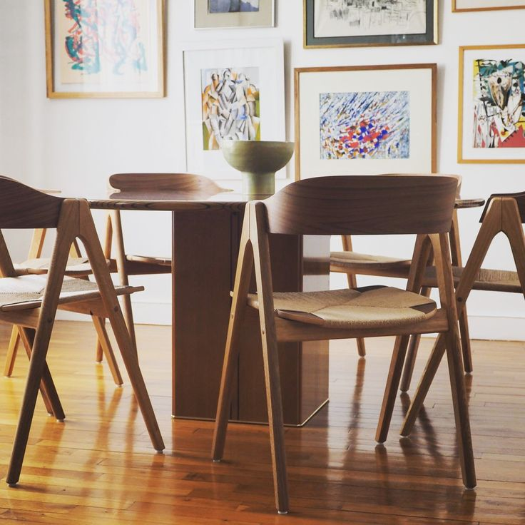 Mette dining chair by Danish furniture architect #carstenbuhl #sustainable wooden chairs in oak and walnut to last a lifetime! Mette dining chair is manufactured in Denmark by #findahlsmøbelfabrik