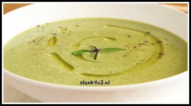 Kokos spinazie soep met knoflook, gember en limoen - Slank4u2