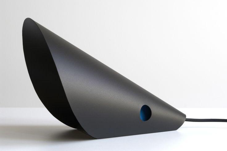 Mouse lamp black by FLAPO #desk #lamp #lighting #black
