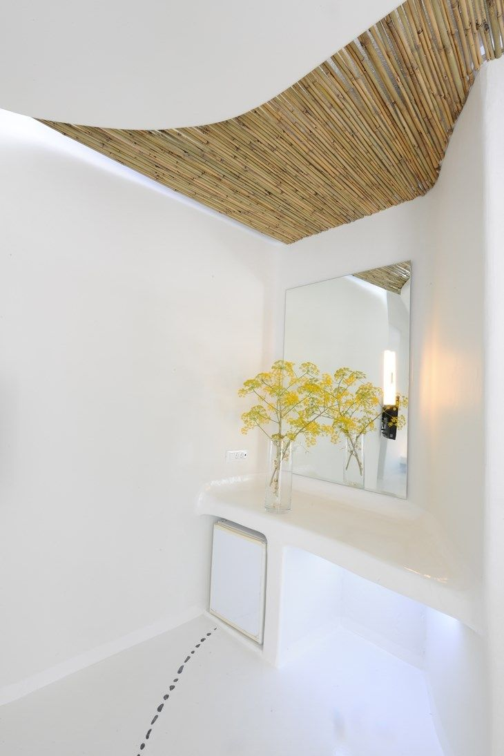 http://www.archisearch.gr/article/1632/andronikos-hotel---klab-architecture.htm