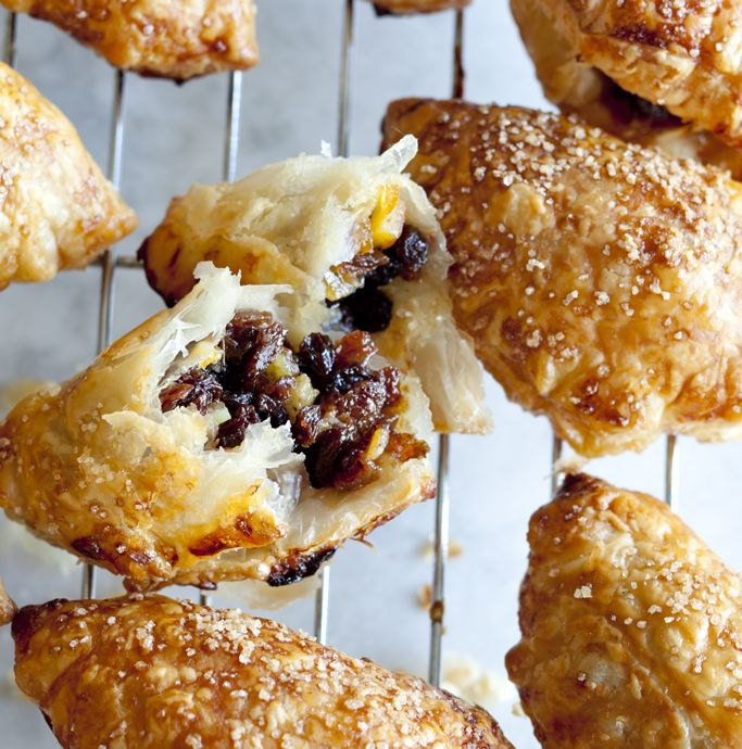These little pastries are full of lightly spiced fruity flavour. Delicate and tasty, they make a great snack or a quick and simple dessert.