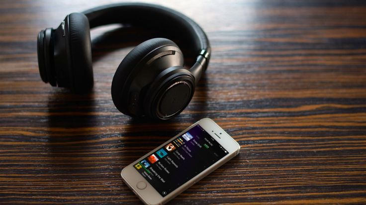 Best noise-cancelling headphones: top 5 reviewed.