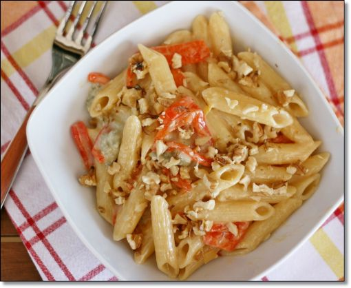 ... gorgonzola e noci - Penne with sweet peppers, gorgonzola and walnuts