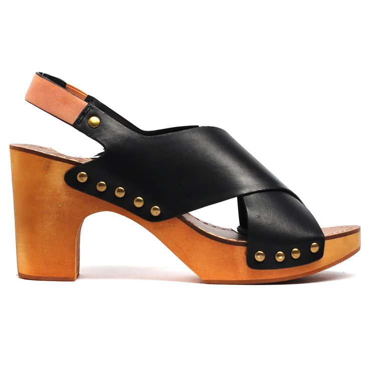 Willistend by Top End. #topendshoes #cinorishoes #cinori #clog #comfortableshoes #comfort  #platformclog #timeless #style #fashion #shoes #black