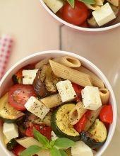 Sałatka z makaronu i pieczonych warzyw - do pudełka na drugie śniadanie i do tego fit :)