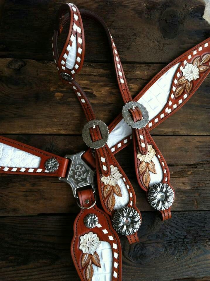 blingmyride.com amazing brown and white flower headstall and breast collar horse tack set