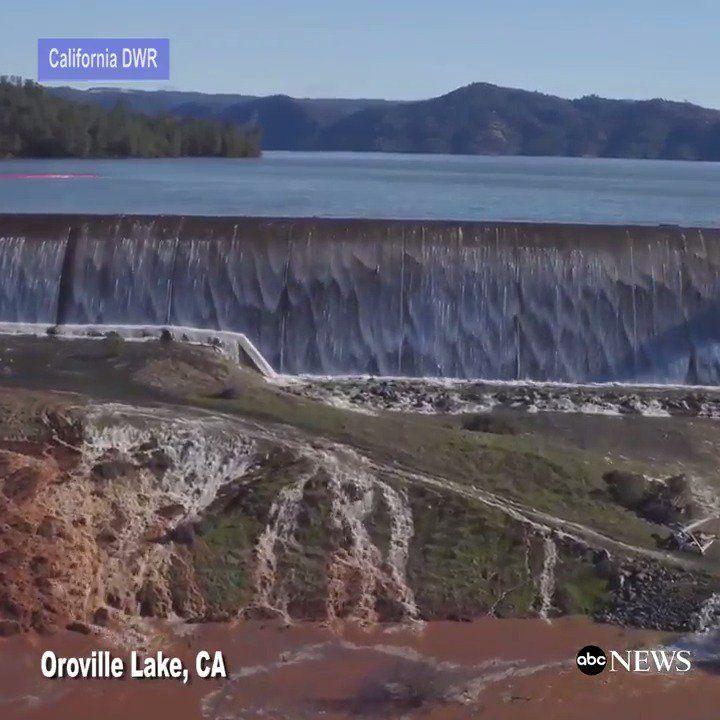 Course contre la montre en Californie pour réparer le barrage d'#Oroville http://u.afp.com/4GmH