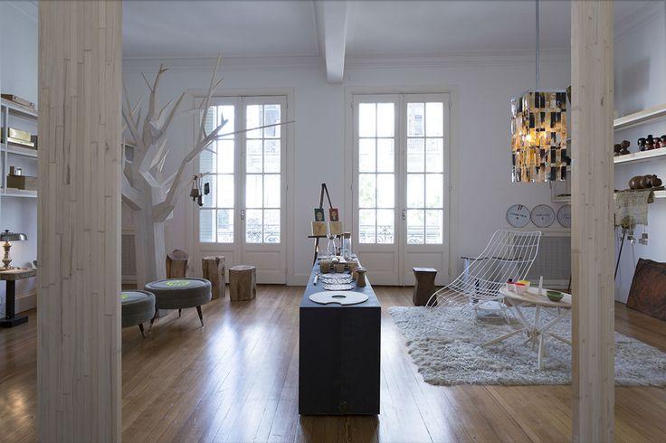 """El lugar de trabajo: el arquitecto Julio Oropel recicló un departamento antiguo, recuperando la """"cáscara"""" existente para favorecer la luminosidad... www.mujercountry.biz"""