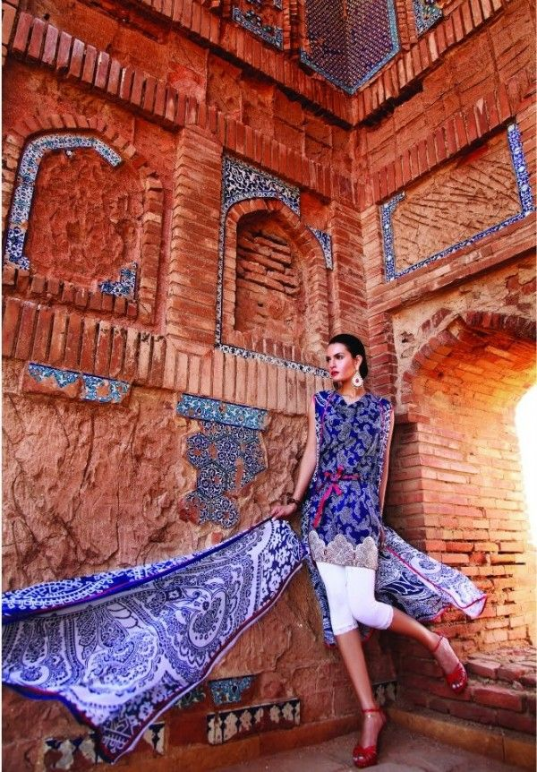Nadia hussain lawn collection,nadia hussain lawn prints,complete collection,nadia hussain signature lawn collection catalogue,nadia hussain summer collection