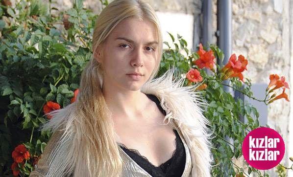 17 Yaşındaki Aleyna Tilki Estetik Yaptırdı! 💄😍👠  Detay: http://kizlarkizlar.com/17-yasindaki-aleyna-tilki-estetik-yaptirdi/