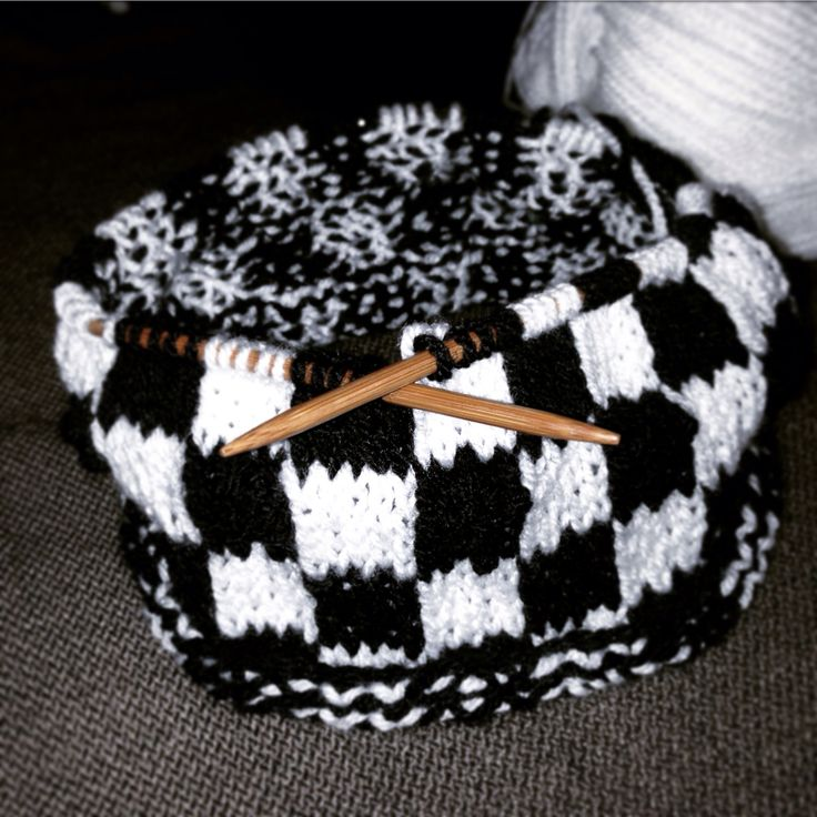 This will be a medieval style pouch for keeping chess pieces in - but this would also be ideal as a dice or character bag for other table top games or Dungeons & Dragons. Knitted with black & white DK yarn, 100% acrylic and knitted in the round. This is my own design / pattern.