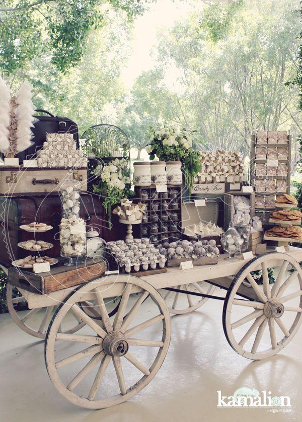 www.kamalion.com.mx - Mesa de Dulces / Candy Bar / Postres / Blanco / Crudo / Beige / white / Vintage / Rustic Decor / Macaroon / Flores / Decoración / Carreta / Boda / Wedding.:
