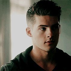 •fc: Cody Christian• Hey, I'm Tyler. I'm 21 and single. (More later)