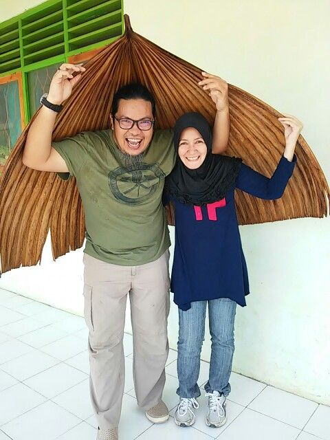 A traditional called SNUNA, made from leaf  Ancient umbrella could adjust wider as you need. @Desa Oenino, SDN Lilkole, #Kefamenanu #NTT #Indonesia