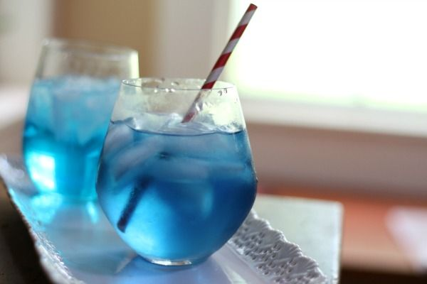 The beautiful blue Sex in the Driveway cocktail is just right for summer sipping. With 0 carbs this fruity, vodka drink is perfect for a low carb treat.