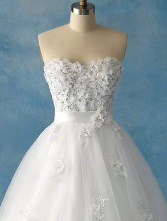 View Dress - Disney Alfred Angelo Collection - 207 Snow White 2011 | AlfredAngeloDisney Bridal | Bridal Shops Toronto Wedding | Evening Dresses Bridal Gowns