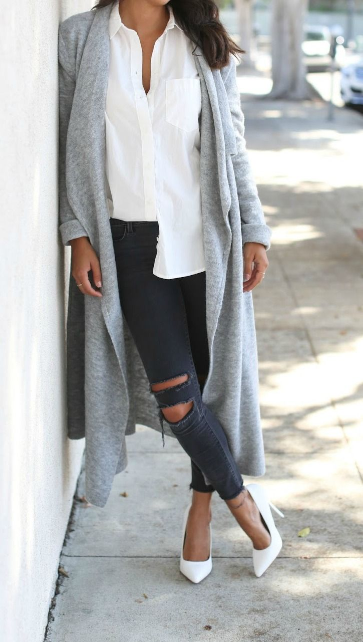 great fall outfit combo: long cardigan and distressed jeans