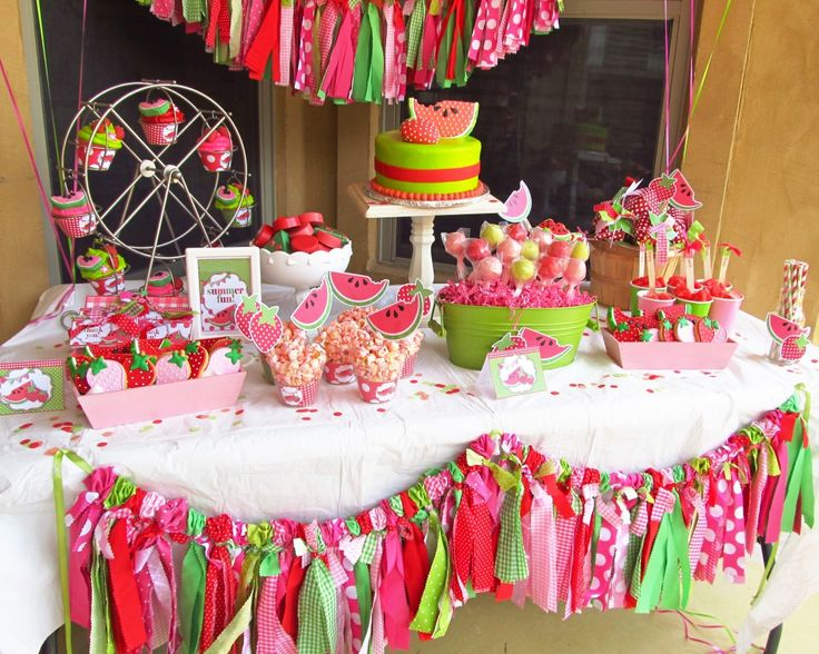 photo inspiration ~ love the fabric bunting ~ party pizazz ~ whimsicallydetailed.com watermelon party