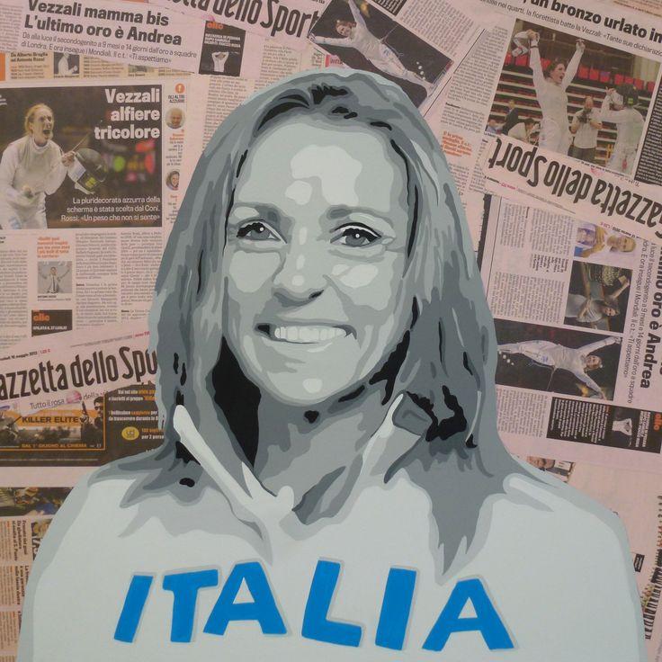 Valentina Vezzali Dipinto a mano su pagine della gazzetta applicate su base di legno con tecnica decoupage.  Dimensione cm 69x69 sp.4