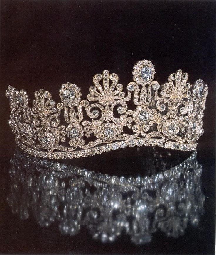 Diamond Tiara Known As The Empire Diadem. Joyas Thurn und Taxis