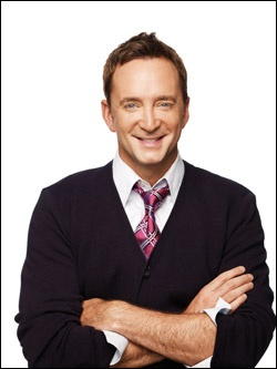 What are some facts about Clinton Kelly?